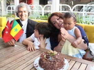 Senegal prensesine İzmir'de doğum günü partisi