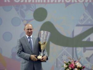 Putin, 'çok çocuklu aileler spor yarışması'nda ödül dağıttı