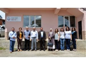 Sağlık Müdürlüğü personeli köyleri ziyaret ediyor