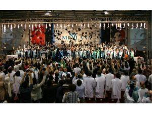 Mevlana Üniversitesi'nde ilk mezuniyet heyecanı