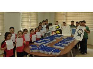 Fatihli öğrenciler, harçlıklarını Somalı çocuklarla paylaştı