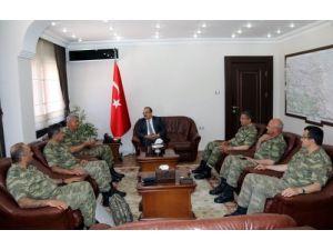 Komutanlar, Vali Yakup Canbolat'ı ziyaret etti