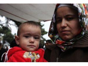 Taşeron işçilerinin eylemine ailelerinden destek geldi