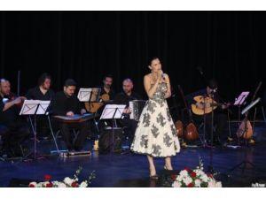 Şevval Sam'dan, Anadolu ezgileriyle Moskova'da Nazım konseri