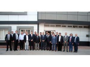 Sakaryalı sanayiciler Adana'daki tekstil firmalarını gezdi