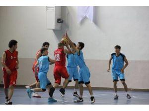 İşitme Engelliler Türkiye Basketbol Şampiyonası dostlukta engel tanımıyor