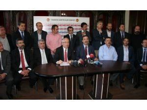 Trabzonsporlu eski yöneticilerden Başkan Hacıosmanoğlu'na tepki