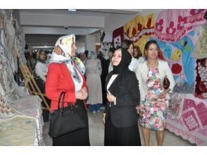 Muş'ta yıl sonu sergisi açıldı