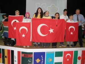 Nazilli Özel Fatih Sultan Lisesi Nijer'den beş madalyayla döndü