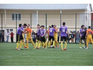 Sert ve tartışmalı maçın galibi Kızılırmakspor Samsun 1. amatöre yükseldi