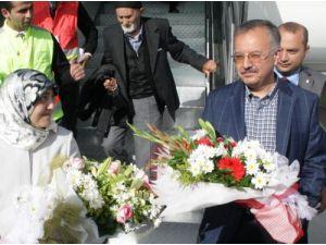 Kars'a atanan Vali Özdemir şehre geldi