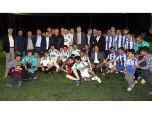 Ağrı'da öğretmenlerarası futbol turnuvası sona erdi