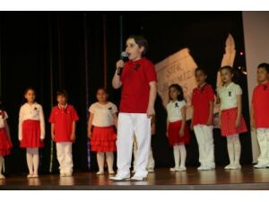 Fatih Koleji öğrencilerinden şiir dinletisi
