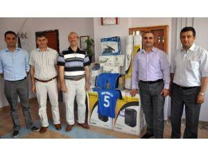 Midyat Erdem Koleji'nden kardeş okula anlamlı yardım