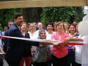 MHP'li kadınlardan ihtiyaç sahipleri yararına kermes