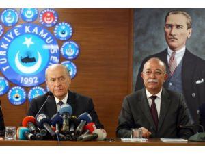 Bahçeli: Cumhurbaşkanı adayı olacaksa Başbakan görevinden istifa etmeli