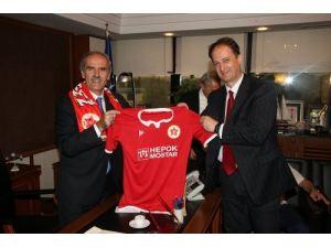 Mostar takımının stadına Bursa'dan destek geldi
