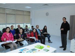 Bafra Gençlik Merkezi'nde 28 kurstan 6 bin 500 kişi yararlandı