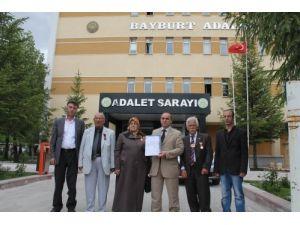 Öcalan'ı öven Şırnak Valisi İpek'e, önceki görev yeri Bayburt'tan suç duyurusu