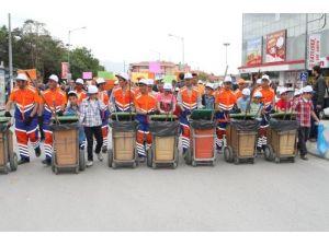 Çevre temizliğine duyarlılık için yürüdüler