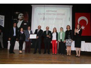 Eğitimde kalite yönetim sistemi ödülleri dağıtıldı