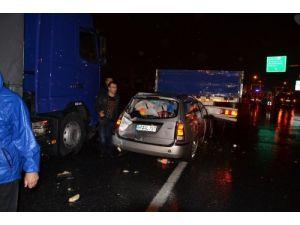 Yağmurun kayganlaştırdığı yolda zincirleme kaza