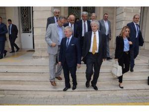 İzmir Valiliği, İl Özel İdare mallarının Hazine'ye devrinde ısrarlı