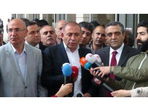 CHP'li Tekin: TMSF'nin elindeki tv ve gazetelerin haberleri insafsız ve taraflı