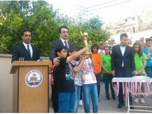 Kozan Burç Koleji satrançta yine birinci