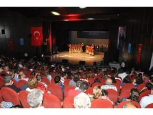 Devlet Halk Dansları Topluluğu, Tarsus'ta konser verdi