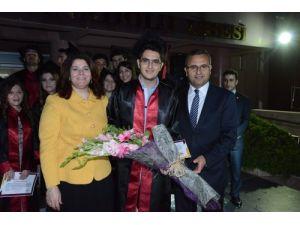 Denizli Valisi Demir oğlunun mezuniyet töreninde veli olarak konuştu