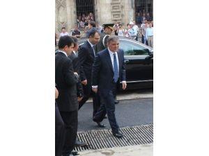 Cumhurbaşkanı Gül öğrencilerle hatıra fotoğrafı çektirdi