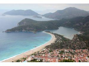 Ölüdeniz'deki plajın yenide ihale edilmesine STK'lardan tepki