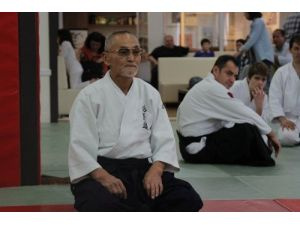 Türkiye'deki Aikido'nun kurucusu Shihan, Türkiye'de öğrencilerle buluştu