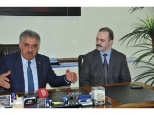 Bakan Yazıcı, kendisini karşılamayan belediye başkanına tepki gösterdi