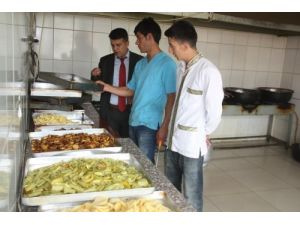 Hakkari'de lokanta ve pastaneler denetlendi