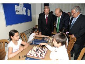 Bursa'da okullar satrançla buluşuyor