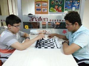 Zeka oyunları turnuvasında, öğrenciler sınırları zorladı