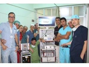 Siirt Devlet Hastanesi'nde kapalı böbrek taşı ameliyatı yapılıyor