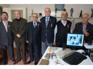 Veremle mücadeleye ömürlerini adayanlara madalya verildi