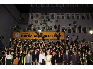 Bafra Anadolu Lisesi 2013-2014 yılı mezunlarını törenle uğurladı