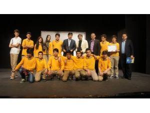 Erzurum Özel Aziziye Lisesi, 'Tiyatro Yarışması'nda ödülleri topladı