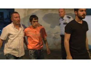 Mersin'de bıçaklı saldırı: 3 yaralı