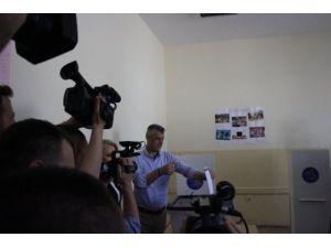 Kosovalılar sandık başında