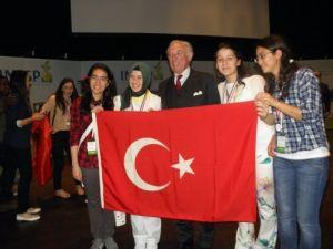 Fatih Koleji'nden dört dörtlük başarı
