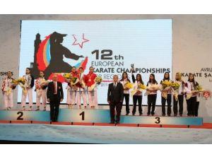 Türkiye, Avrupa Bölgeler Karate Şampiyonası'nda 12 madalya kazandı