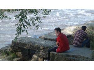 Ergene Nehri'nde kaybolan 2 çocuk için arama çalışmaları devam ediyor
