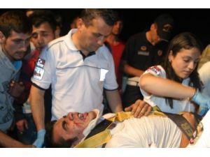 Aydın'da kaza: Sıkışan sürücü güçlükle kurtarıldı