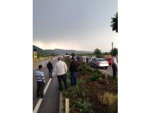 Turgutlu'da sağanak yağış ve fırtına hayatı olumsuz etkiledi
