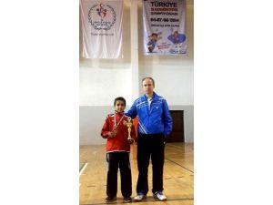 Batuhan Uğurlu badmintonda Türkiye üçüncüsü oldu